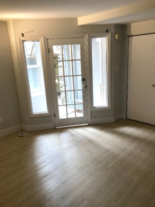 Renovated South End  Bachelor - All Inclusive