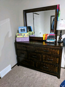 Bedroom set dresser and headboard brand new condition