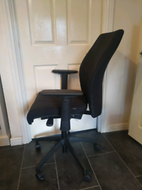 Ergonomic Swivel Office chair Adjustable arms back and seat