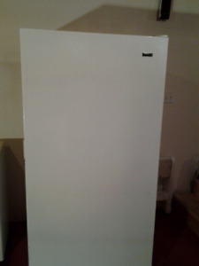 FRIGIDAIRE FREEZER  stand up very little use . Lockable