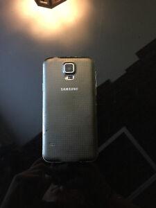 Samsung S5 16GB Déverrouillé / Unlock West Island Greater Montréal image 2