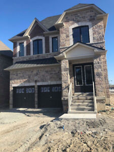 Bradford Executive Style Home 4+1 Beds, 4 Baths, Never Lived In