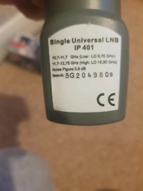 Universal single LNB