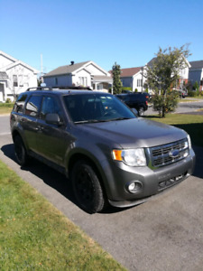 FORD ESCAPE V6 AWD