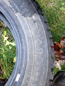 2 pneus d hiver 175-65r15 Gatineau Ottawa / Gatineau Area image 1