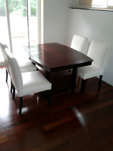 DINNING TABLE AND CHAIR SET