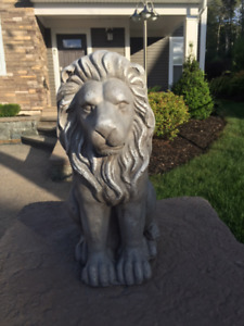 Set of 2 Lions (outdoor) Decor - like new