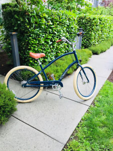 Townie 8 speed cruiser bike