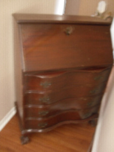 FOR SALE ANTIQUE WRITING DESK $100.00 FIRM