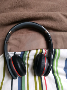 WIRELESS SOLO BEATS BY DR DRE *MINT CONDITION
