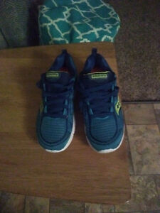 Brand new saucony running shoes size 7