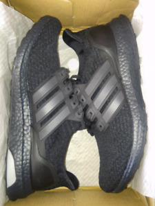 Triple Black Ultraboost 3.0 SIZE 9.5