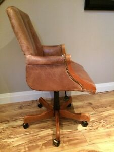Desk chair by Sam Moore London Ontario image 2