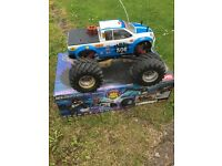 Kyosho mad force rc radio control monster truck