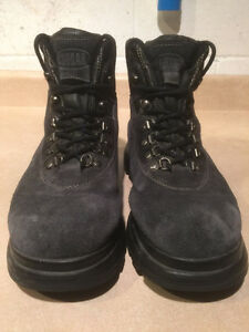 Women's Cougar Winter Boots Size 10 London Ontario image 5