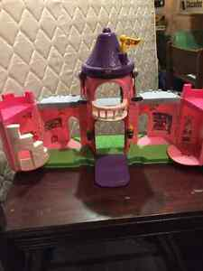 Fisher Price Castle, Pink Kitchener / Waterloo Kitchener Area image 2