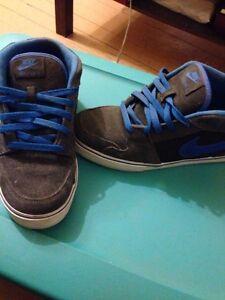 Men's 9 Nikes