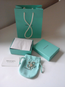 TIFFANY &CO 925 SILVER AUTHENTIC CHARM