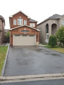 HOUSE IN MAPLE, ONTARIO FOR RENT