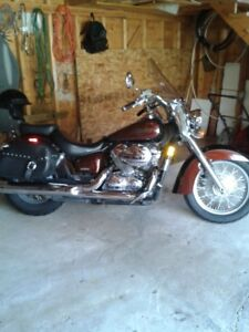 2006 honda shadow excellent