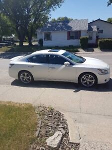 Nissan Maxima SV w/ Sport Package
