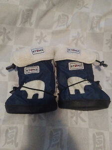 Stonz Booties Size Large