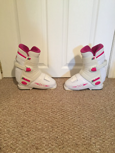Ladies ski boots size 7 with bag