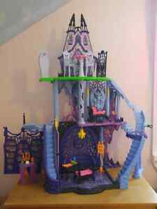 Monster High Catacombs mint condition