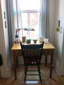 Chambre dans belle 6.5 / Room in lovely 6.5 (Mile-End/Outremont)