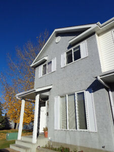 Very nice Town House in Stony Plain available Immediately