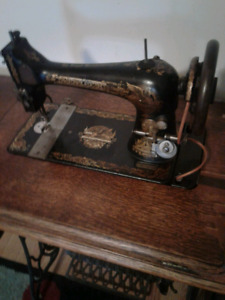 For sale Singer sewing machine