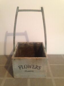 Vintage style wood flower box, Flower Pots & Saucers