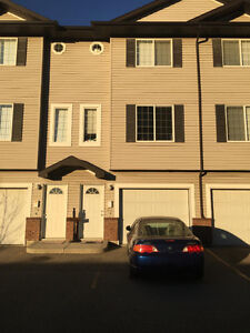 Lakeridge (NW) Townhouse for Rent - Available now