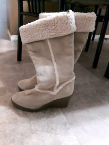 Dawgs beige wedge boots size 10