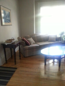 154 King Apt #2 - Close to Downtown, Hospitals and Queen's Kingston Kingston Area image 2