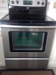 Moving sale Whirlpool smooth top steeliness steel stove Kitchener / Waterloo Kitchener Area image 2