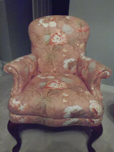 Peachy 4pc settee, LOVELY like new! Sun room, cottage, den! London Ontario image 3