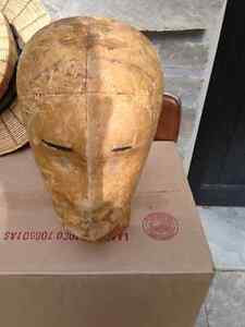 VINTAGE WOODEN MALE HEAD FORM   - PARKER PICKERS -