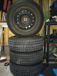 P225/70r16 BF Goodrich winter slalom tires ON rims Kitchener / Waterloo Kitchener Area image 1