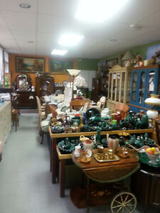 TINA'S TREASURES ANTIQUES & COLLECTIBLES MOUNT BRYDGES, ONTARIO London Ontario image 3