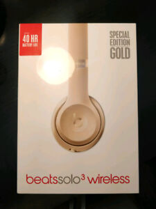 New GOLD Beats Solo 3 Wireless with Store RECEIPT - A1796
