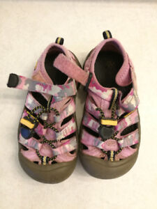 KEEN Newport H2 Sandals for toddler,size 11
