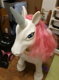Feber ride on unicorn