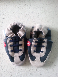 Robeez Size 6-12 month Shoes NEW
