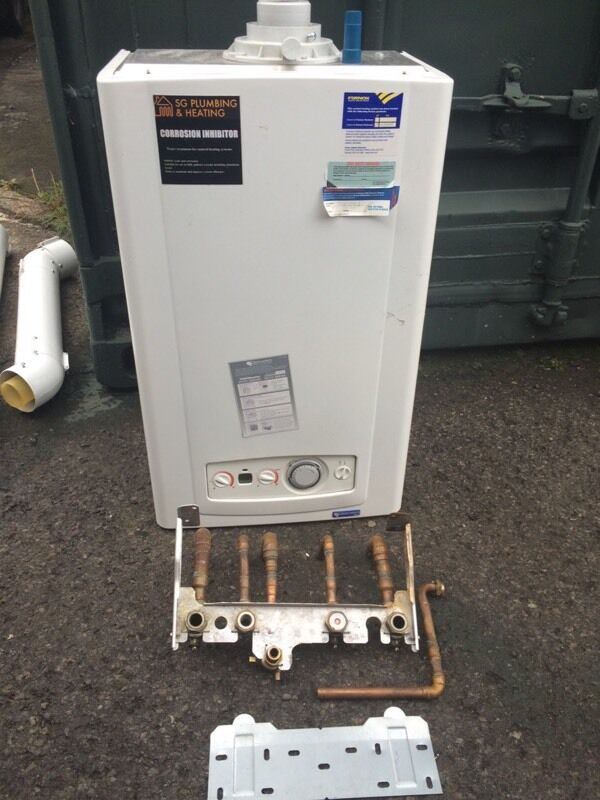 Glow worm 30cxi condensing combi boiler with vertical flue and timer ...