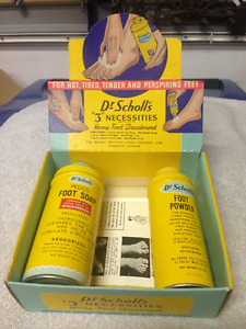 VINTAGE 1939 VINTAGE DR. SCHOLL COUNTER DISPLAY AND CONTENTS