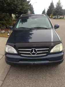 MERCEDES ML 320 FULLY LOADED W TOW PACKAGE