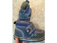 Kickers boots size 6 (23)