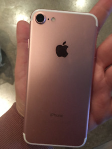 Iphone 7 128g Rose Gold Unlocked - Less then 3 months old