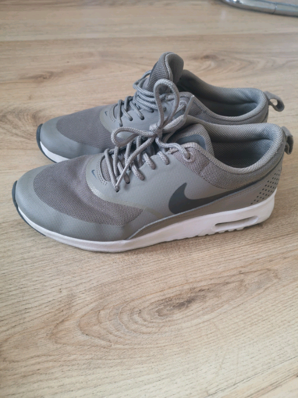 Nike Air Max Thea Size 5 | in Ifield, West Sussex | Gumtree